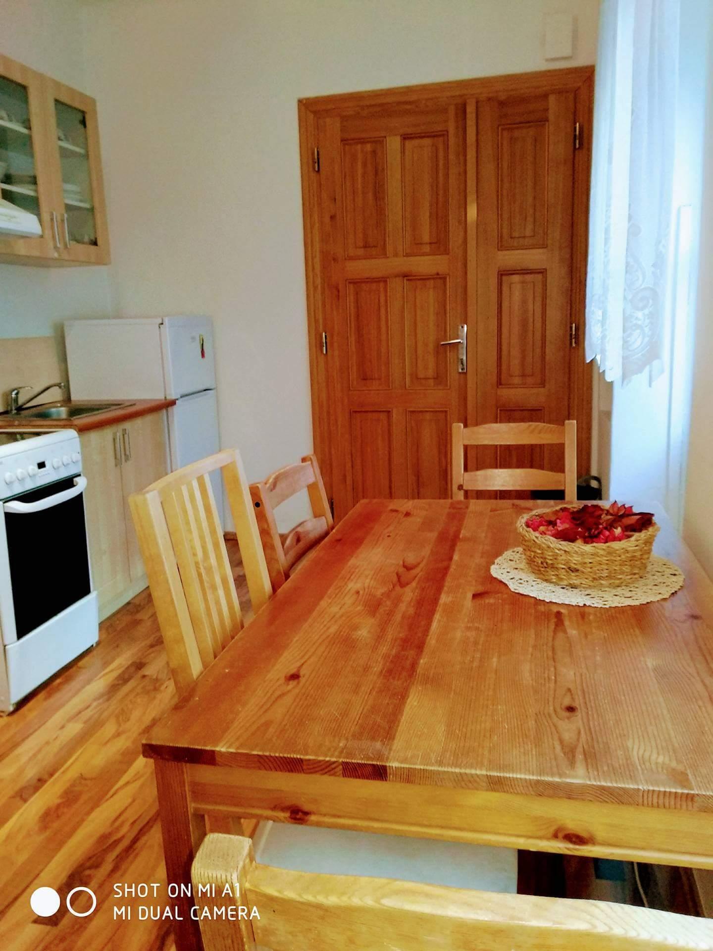 stol kuchyna2